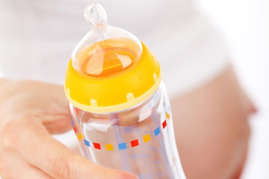 La correcta higiene en los biberones de tu bebé